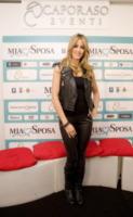 Elena Santarelli - Trentola Ducenta - 02-12-2012 - Quando la star si tramuta in una donna aggressiva