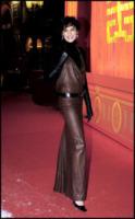 Ines de la Fressange - Parigi - 13-12-2005 - Quando la star si tramuta in una donna aggressiva