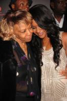Bobbi Kristina Brown, Cissy Houston - New York - 22-10-2012 - Bobbi Kristina Brown sfrattata lascia un biglietto ai vicini