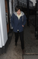 Harry Styles - Londra - 23-01-2013 - Star come noi: Harry Styles degli One Direction esce senza soldi