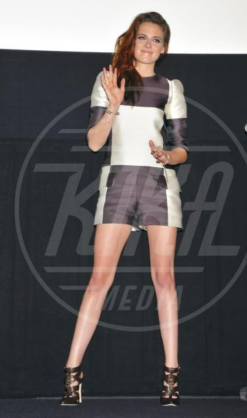 Kristen Stewart - Tokyo - 24-10-2012 - Ti va di giocare a scacchi?