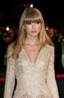 Taylor Swift - Cannes - 26-01-2013 - Taylor Swift: la verginità rubata da Jake Gyllenhaal