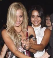 Ashley Tisdale, Vanessa Hudgens - Hollywood - 18-09-2011 - Dagli esordi Disney alle nozze: la lunga storia Tisdale-Hudgens