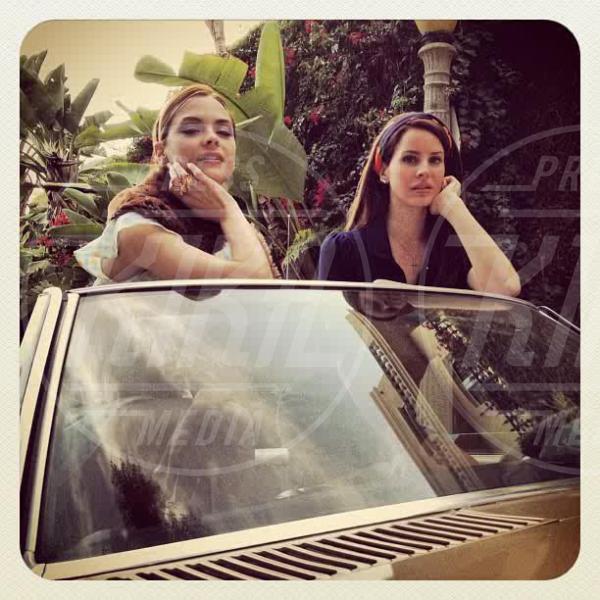 Lana Del Rey, Jaime King - Los Angeles - 18-04-2012 - Rivali sul set? No, amiche per la pelle!