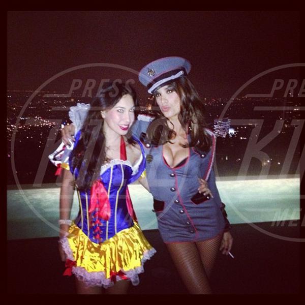 Elisabetta Canalis - Los Angeles - 05-11-2012 - Rivali sul set? No, amiche per la pelle!