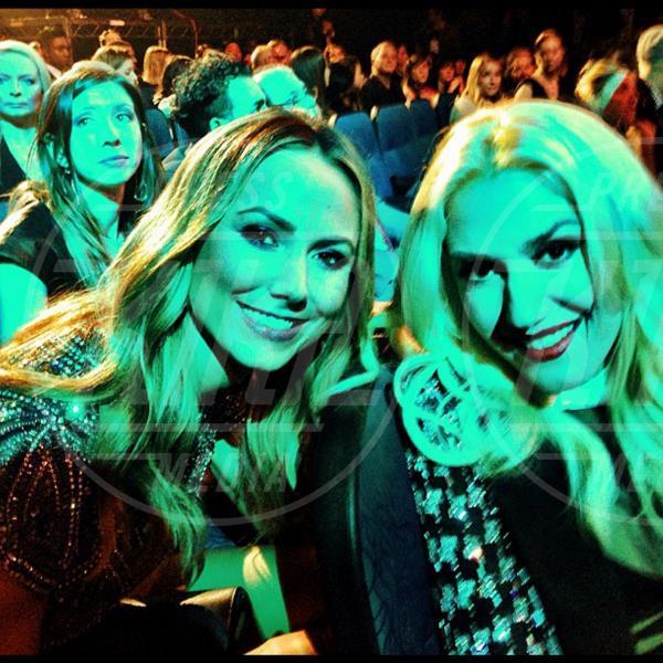 Stacy Keibler, Gwen Stefani - Los Angeles - 26-11-2012 - Rivali sul set? No, amiche per la pelle!