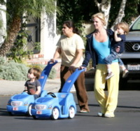 Britney Spears - Malibu - 26-04-2010 - Britney Spears Story: l'infinito romanzo della cantante ribelle