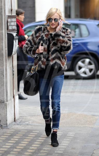 Fearne Cotton - Londra - 29-11-2011 - Donne con le borchie: sesso debole a chi?
