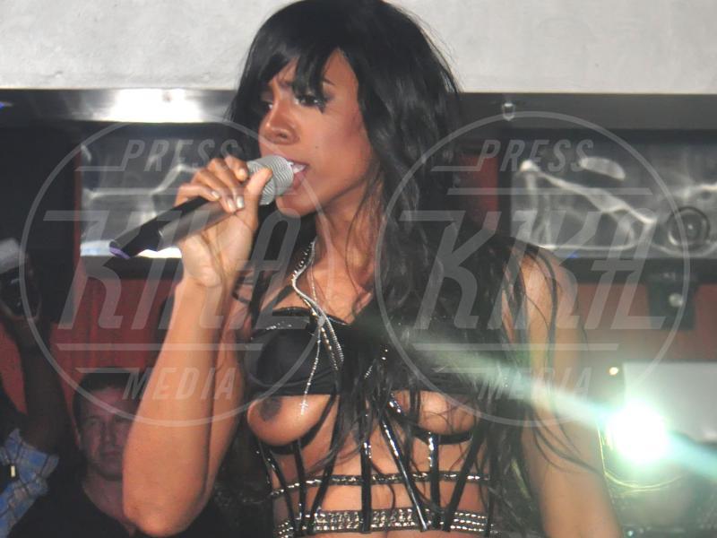 Kelly Rowland - West Orange - 07-08-2011 - I segreti delle dive non sono più coperti…dal vestito