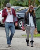 Sharni Vinson, Kellan Lutz - Los Angeles - 31-01-2013 - Kellan Lutz e Sharni Vinson si sono lasciati