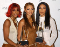 Destiny's Child - Los Angeles - 09-01-2002 - Kelly Rowland gelosa di Beyonce in una canzone