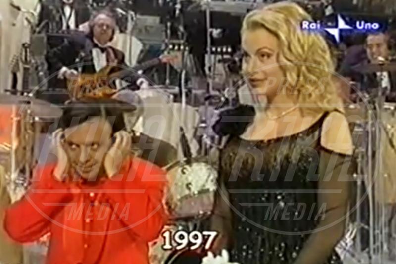 Piero Chiambretti, Valeria Marini - Sanremo - 04-02-2013 - Emma e Arisa, da vincenti a vallette di Sanremo 2015?