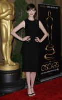 Anne Hathaway - Los Angeles - 04-02-2013 - Un classico intramontabile: il little black dress