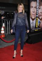 Lori Loughlin - Westwood - 04-02-2013 - Bando alla formalità: a tutto jeans sul red carpet
