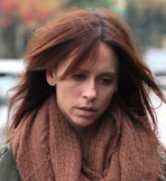 Jennifer Love Hewitt - Beverly Hills - 18-11-2011 - Star come noi: il vento non risparmia nessuna chioma