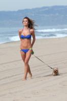 Audrina Patridge - Los Angeles - 05-02-2013 - Anche i VIP in spiaggia con i fidati amici a quattro zampe