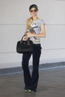 Paris Hilton - Beverly Hills - 10-10-2011 - Le celebrity, tutte pazze per Walt Disney!