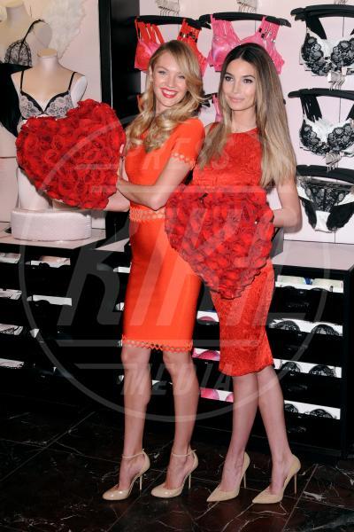 New York - 06-02-2013 - Gli angeli di Victoria's Secret augurano un buon San Valentino