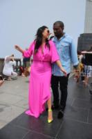 Kim Kardashian, Kanye West - Rio de Janeiro - 10-02-2013 - Fiocco rosa per Kim Kardashian e Kayne West
