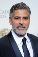 George Clooney - Londra - 10-02-2013 - La mia vita da sobrio: le star che dicono addio alla bottiglia