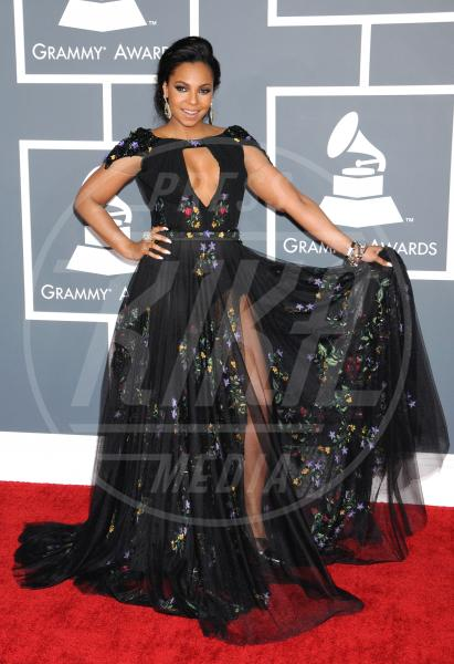 Ashanti - Los Angeles - 10-02-2013 - Grammy Awards 2013: il red carpet si fa sexy