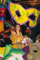 Mariska Hargitay - New Orleans - 11-02-2013 - Star come noi: anche i detective si divertono a carnevale