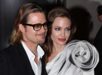 Angelina Jolie, Brad Pitt - Parigi - 16-02-2012 - Brad Pitt-Angelina Jolie: pronto il contratto prematrimoniale