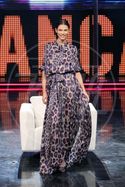 Bianca Balti - Milano - 30-12-2010 - Eva Mendes e il maculato: un abbinamento perfetto