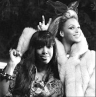 Kelly Rowland, Beyonce Knowles - Milano - 12-02-2013 - Kelly Rowland è incinta del suo primo figlio
