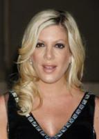 Tori Spelling - Los Angeles - 22-11-2006 - Tori Spelling è mamma