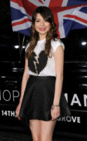 Miranda Cosgrove - Los Angeles - 13-02-2013 - A San Valentino, vèstiti di cuori e di baci!