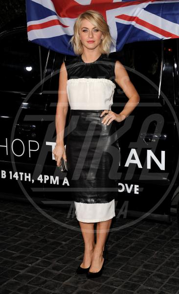 Julianne Hough - Los Angeles - 13-02-2013 - Sul red carpet, l'optical è… l'optimum!