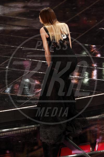 Bianca Balti - Sanremo - 17-02-2013 - Attenti al gradino e non solo: i passi falsi delle star
