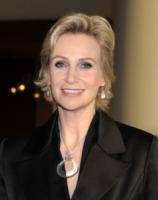 Jane Lynch - Los Angeles - 17-02-2013 - Baldwin-Delevingne: la bandiera arcobaleno sempre più in alto