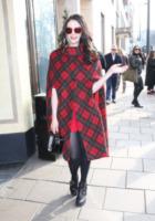 Kate Nash - Londra - 17-02-2013 - È arrivato l'autunno: tempo di tirar fuori il poncho!