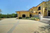Villa - Los Angeles - 26-05-2011 - La villa di Kim Kardashian vale 10 milioni di dollari