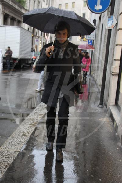 Luca Argentero - Milano - 21-02-2013 - La primavera non arriva. E tu, di che ombrello sei?