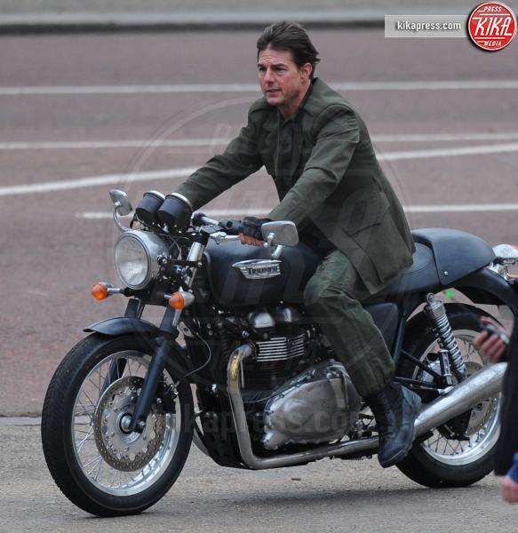 Tom Cruise - Londra - 24-02-2013 - More? Bionde? Macchè: gli uomini preferiscono le… moto!