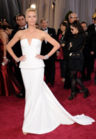 Charlize Theron - Los Angeles - 26-02-2013 - Oscar 2013: revival anni '50 per le dive sul red carpet