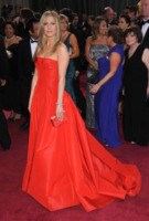 Jennifer Aniston - Hollywood - 24-02-2013 - Jennifer Aniston soffre per un Big Mac