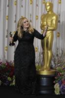 Adele - 25-02-2013 - Karl Lagerfeld specifica che Adele non è grassa, è rotondetta
