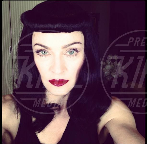 Madonna - 26-02-2013 - Dillo con un tweet: primo capello bianco per Caterina Balivo
