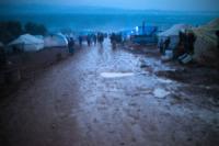 Campo profughi - IDLIB - 04-02-2013 - Siria: i bambini del campo profughi di Atma