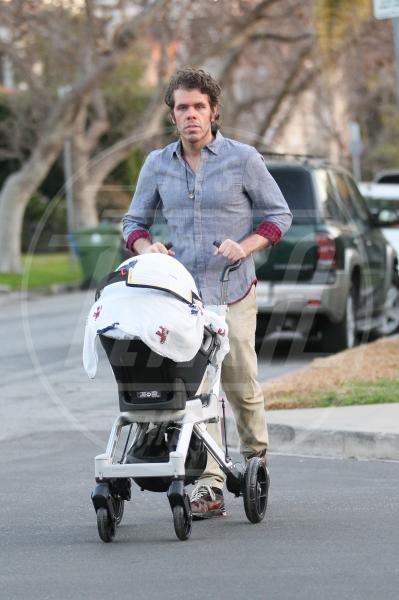 Perez Hilton - West Hollywood - 27-02-2013 - A tre ruote, colorato o tutto blu: a ognuno il suo passeggino