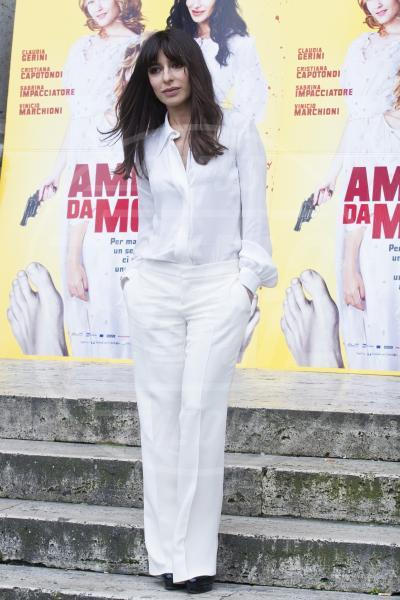 Sabrina Impacciatore - Roma - 01-03-2013 - Il must dell'estate? I pantaloni bianchi
