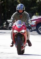 Bradley Cooper - Los Angeles - 04-03-2013 - More? Bionde? Macchè: gli uomini preferiscono le… moto!