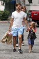 Ruby Maguire, Tobey Maguire - Los Angeles - 02-09-2012 - Il cuore di un padre è un capolavoro della natura
