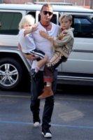 Zuma Rossdale, Kingston Rossdale, Gavin Rossdale - Los Angeles - 14-10-2012 - Il cuore di un padre è un capolavoro della natura