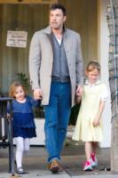 Seraphina Rose Elizabeth Affleck, Violet Anne Affleck, Ben Affleck - Los Angeles - 14-11-2012 - Il cuore di un padre è un capolavoro della natura