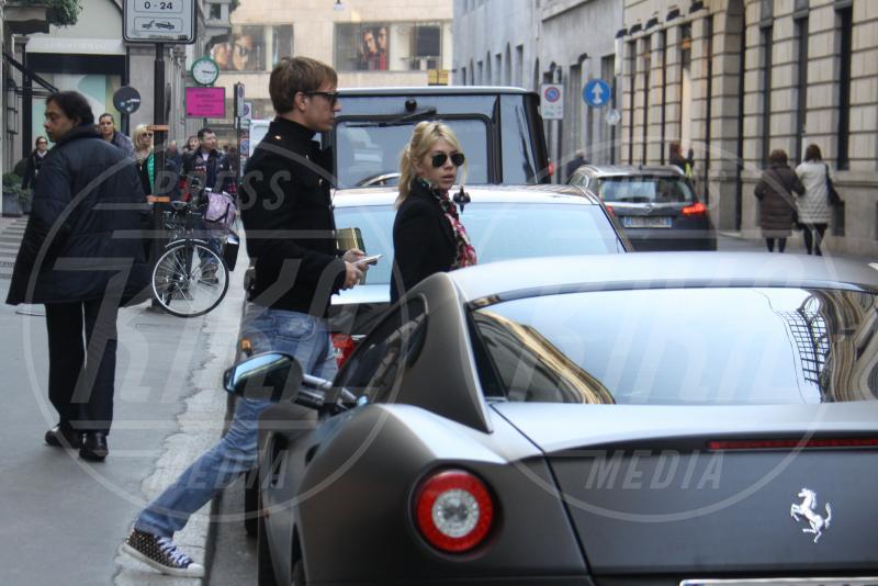 Wanda Nara, Maxi Lopez - Milano - 04-03-2013 - A Hollywood sono tutti matti per la Ferrari